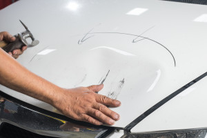 Car paint series : Checking dent